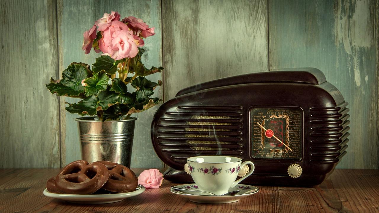 料 ラジコ 通信 無料ラジオアプリradiko(ラジコ)の使い方!会員料金や解約方法も紹介!